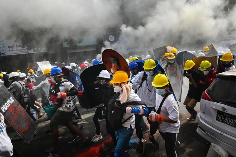 緬甸安全部隊週三鎮壓反政變示威者。圖為仰光。(法新社)