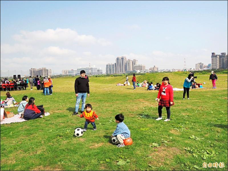 竹市兒藝節將移師左岸大草原舉行。(記者洪美秀攝)
