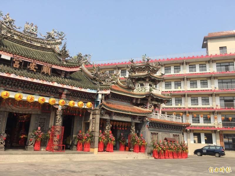 解決全中運選手住宿問題,包括斗南順安宮等11家寺廟免費提供香客大樓3000多個床位。(記者黃淑莉攝)