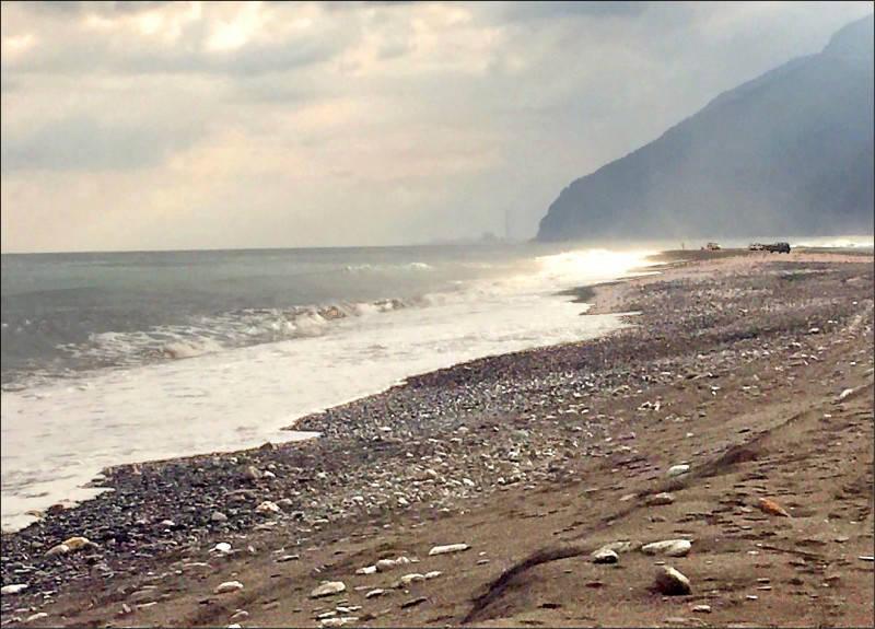 宜蘭縣南澳沙灘禁止水域活動共2年半的時間,於上月25日重新開放。(宜蘭縣政府提供)