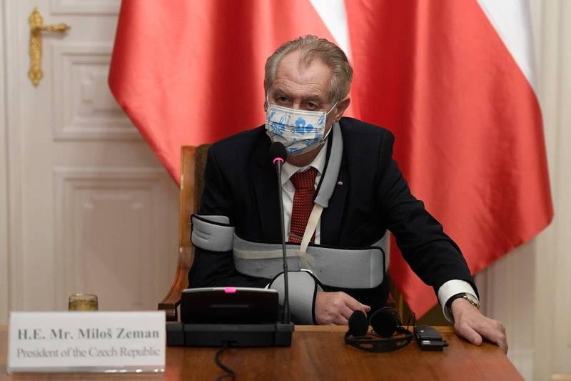 捷克日前已向中國求援國藥疫苗,而中國也答應提供。圖為捷克總統齊曼。(法新社)