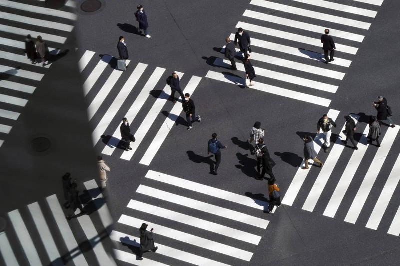 日本3日新增1244例確診,63例死亡。圖為東京街景。(美聯社)