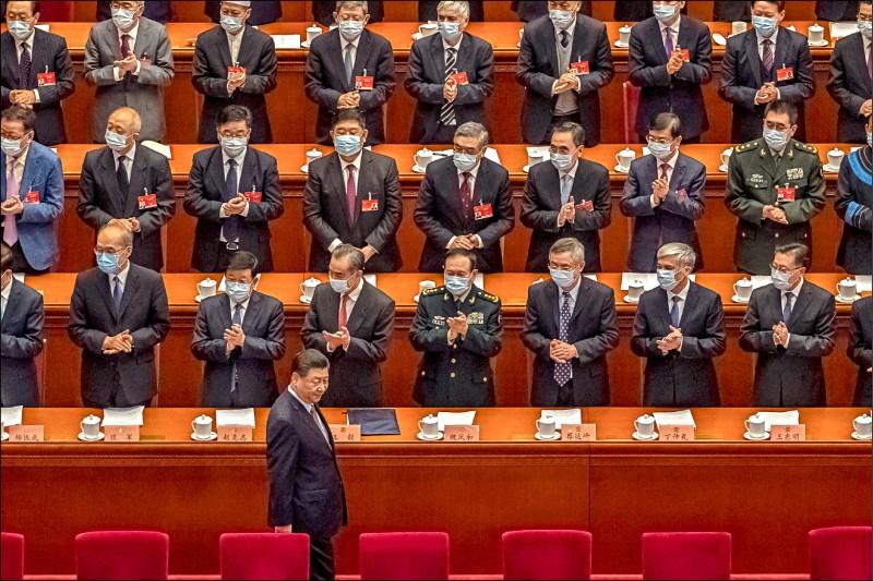 中國全國人民政治協商會議四日在北京人民大會堂開幕,國家主席習近平出席會議。(歐新社)