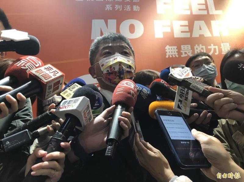 衛福部長陳時中表示國產疫苗可能會分年齡層發給EUA。(記者楊媛婷攝)