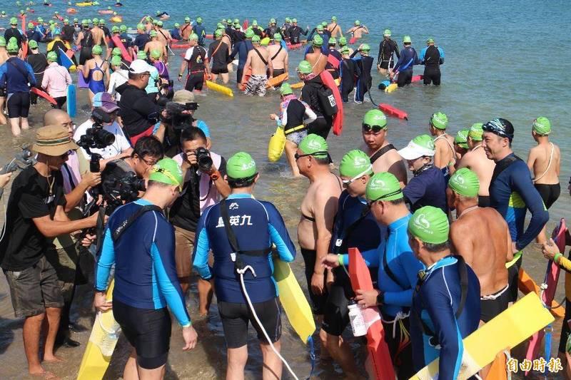 澎湖連續2年以防疫為由,宣布停辦泳渡澎湖灣活動。(記者劉禹慶攝)