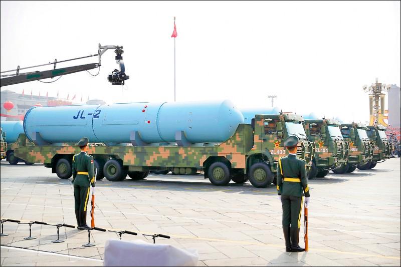 中國從未放棄武力犯台,即使去年GDP成長創新低,2021年國防預算仍編列人民幣1兆3553億元(約新台幣5.8兆元),較去年成長6.8%。(美聯社)