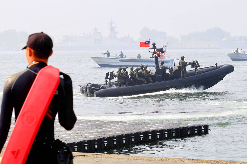 Navy special forces simulate a counter-infiltration operation during a drill in Kaohsiung on Jan. 27. Photo: EPA-EFE