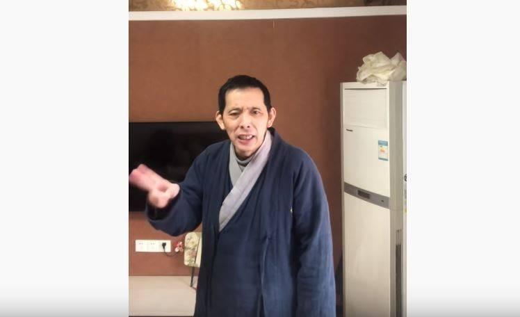 方斌在影片中高喊起義,要求一切反共的力量團結,並激動大喊「全民反抗暴政」!(擷取自YouTube)