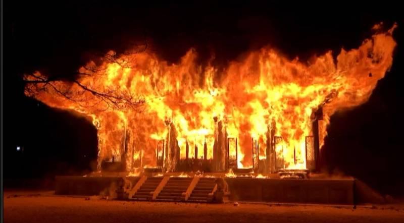 南韓僧侶內部出現糾紛,有和尚酒後竟在千年古寺內藏寺2012年剛修復的大雄寶殿縱火。(歐新社)<h4>☆飲酒過量  有害健康  禁止酒駕☆</h4>