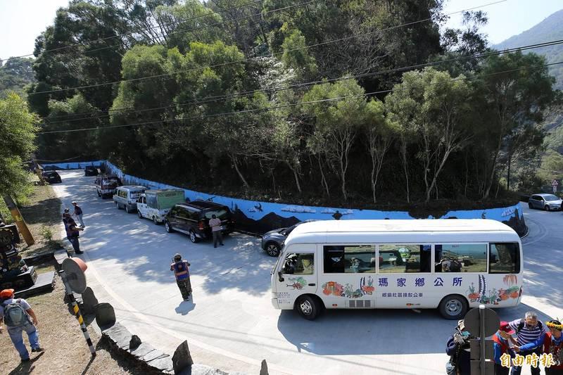 屏東瑪家專五道路,擬推白牌車合法轉商用。(記者邱芷柔攝)