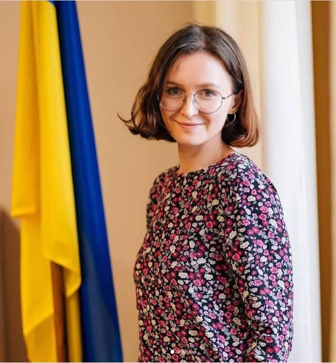 烏克蘭中選會正妹公務員抱怨自慰棒壞了 最後下場曝光