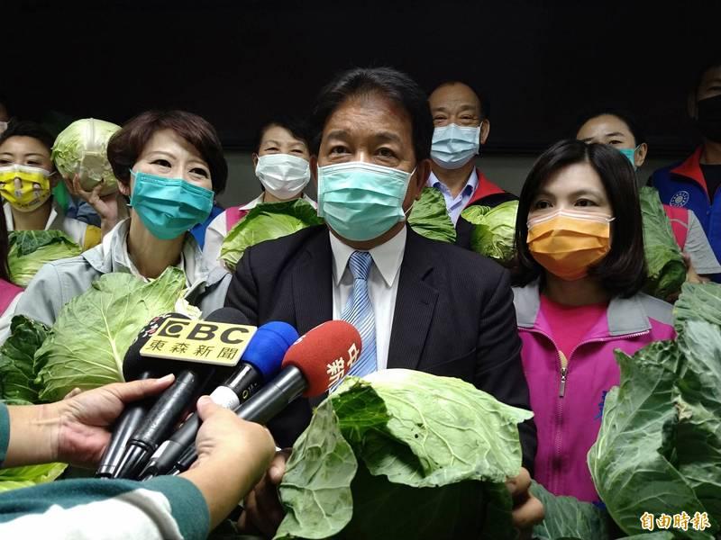 被謝龍介點名可能會參選台南市長,郭信良說,「想太多了!」(記者蔡文居攝)