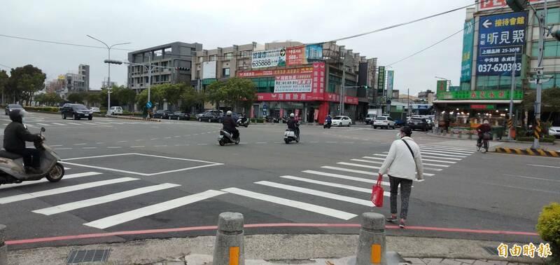 友善行人,苗栗竹南鎮公所獲中央補助8400萬餘元,改善交通工程。(記者蔡政珉攝)