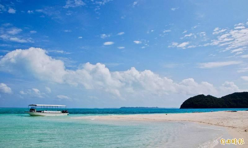 帛琉擁有眾多島嶼,美麗島嶼風光引人入勝。(資料照,記者莊士賢攝)