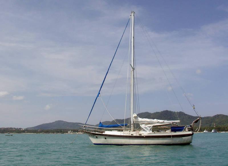 泰國政府近期宣布外籍旅客能在普吉島上的遊艇進行2週的隔離旅遊。(路透)