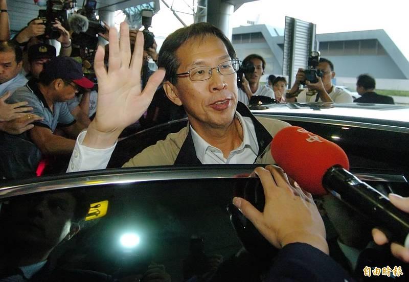 陳水扁讚黃芳彥抗煞英雄 當年立遺囑挺進專責醫院