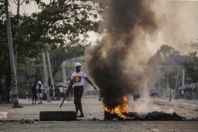 [新聞] 緬甸示威砸中資工廠殃及台商 外交部建議