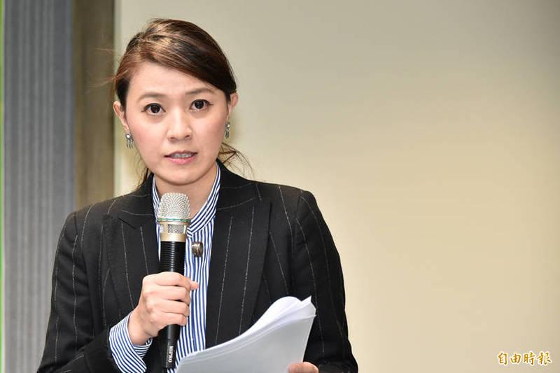 顏若芳今恢復中央黨部工作,稍早並透過臉書表示,對於私事造成公眾資源浪費討論,她深感到抱歉,並深自檢討,自己近期會沉潛檢討,暫不進行對外發言工作。(資料照)