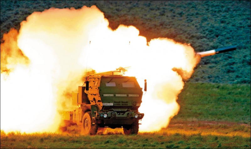 美國批准對台出售高機動性多管火箭系統(HIMARS) 。(美聯社檔案照)