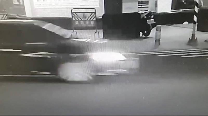 懷疑和女友曖昧押人毆打,高市警方鎖定涉案車輛,以車追人追緝涉案的潘姓男子。(警方提供)