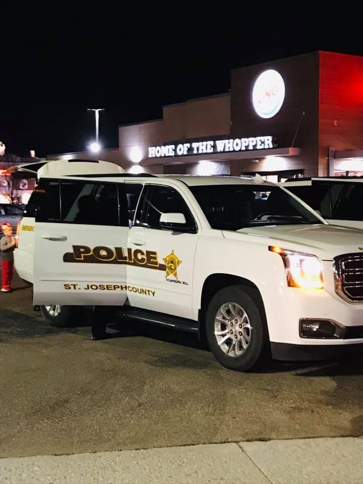美國印第安納州6歲女童失蹤後陳屍林地,警方目前已逮捕1名涉案的14歲少年。轄區聖約瑟夫郡警方示意圖。(圖擷自St. Joseph County Police Department臉書)