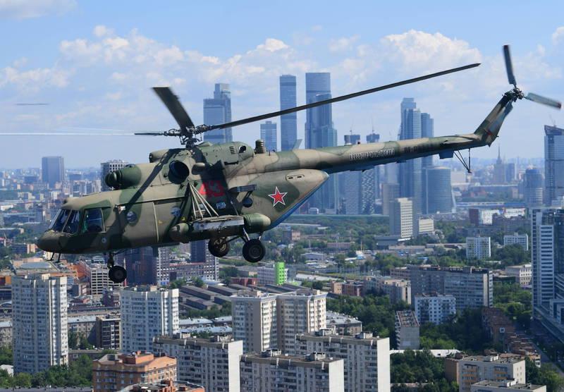 烏克蘭記者Andriy Tsaplienko昨天(16日)在Telegram上發佈影片,指稱一架俄國Mi-8直升機於當地下午2點左右侵入烏克蘭領空,圖為俄國Mi-8直升機。(歐新社資料照)