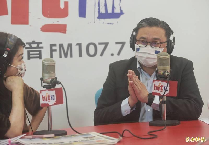民進黨立委王定宇18日接受「周玉蔻嗆新聞」廣播專訪,談「租房」風波。(記者張嘉明攝)