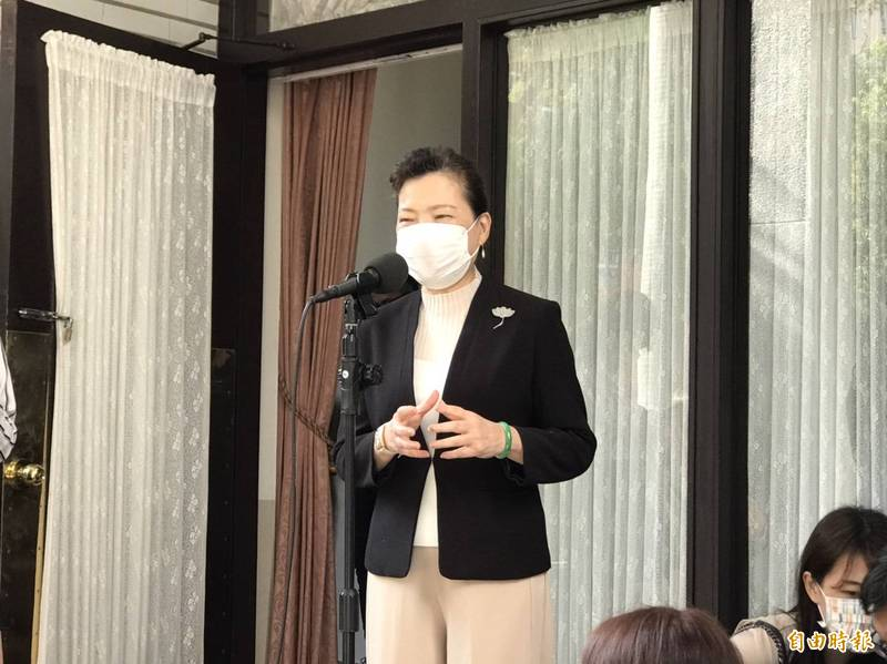 經濟部長王美花(見圖)說,台灣總體備用容量僅15%,與很多國家比起來還要低。(本報合成)
