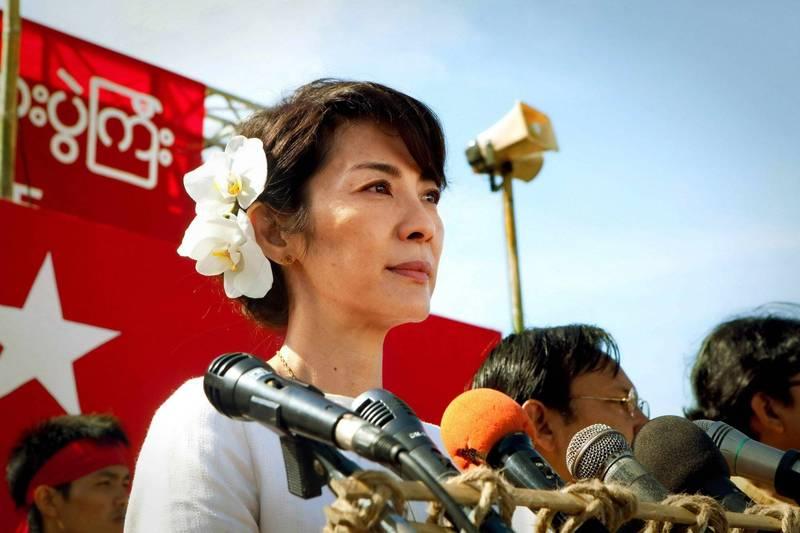女星楊紫瓊(見圖)當年在電影中扮演翁山蘇姬,造型維妙維肖。(資料照,甲上娛樂提供)