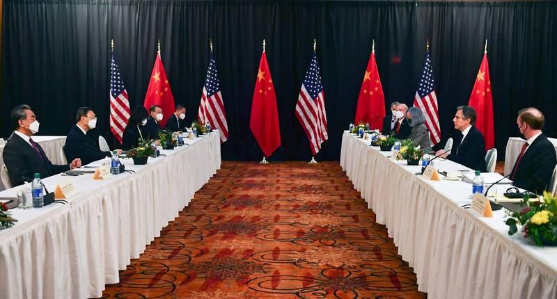 美中兩國外交高層18、19日在阿拉斯加安克拉治舉行會談,為拜登上任後首次。(法新社)
