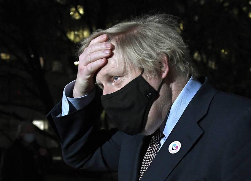 英國首相強森(見圖)預計將在週四與歐盟各國領導人進行一對一對談,呼籲他們解除禁止疫苗出口的禁令。(美聯社)