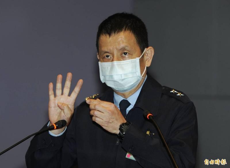 空軍參謀長黃志偉今晚召開記者會表示,2架事故機過去3個月的機務狀況正常,並無重大故障。(記者林正堃攝)