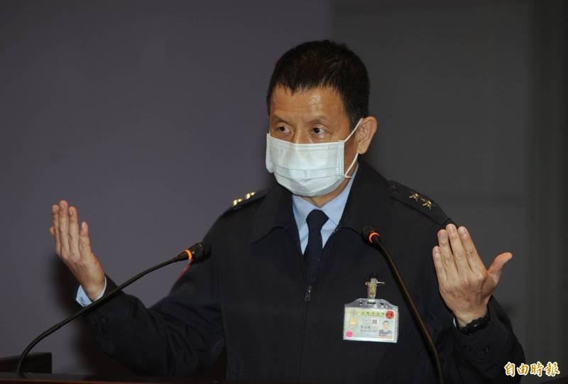 空軍參謀長黃志偉中將22日晚間召開記者會,說明失事F-5E戰機搜救狀況。(記者林正堃攝)