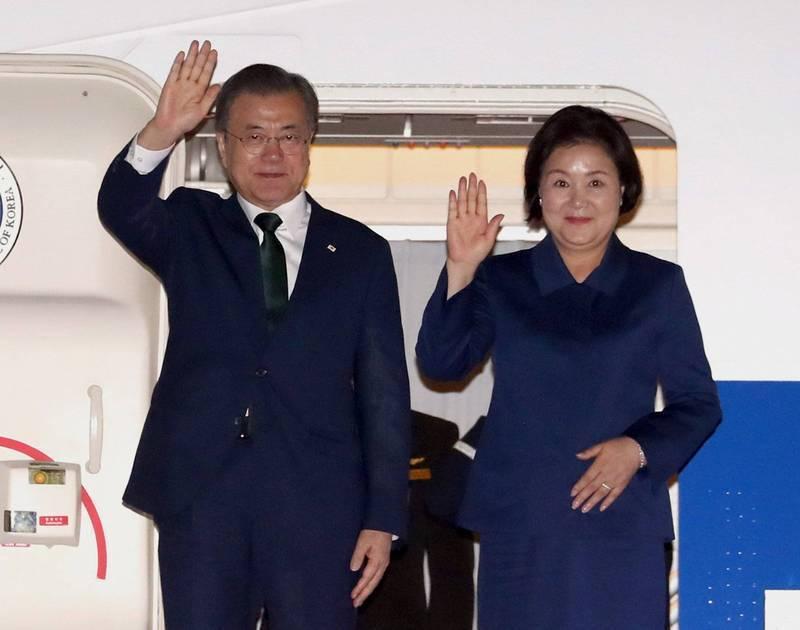 南韓總統文在寅夫婦將於23日公開接種AZ疫苗。(歐新社)