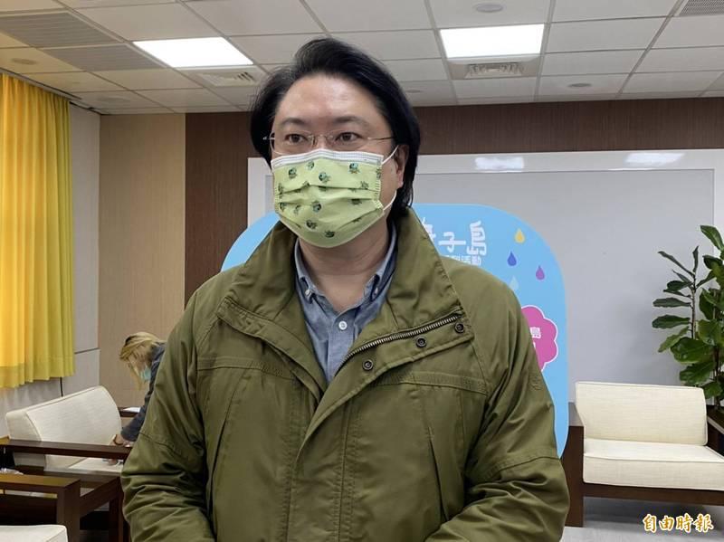 基隆市長林右昌被問到何時接種疫苗,他說遵照中央流行疫情指揮中心安排。(記者俞肇福攝)