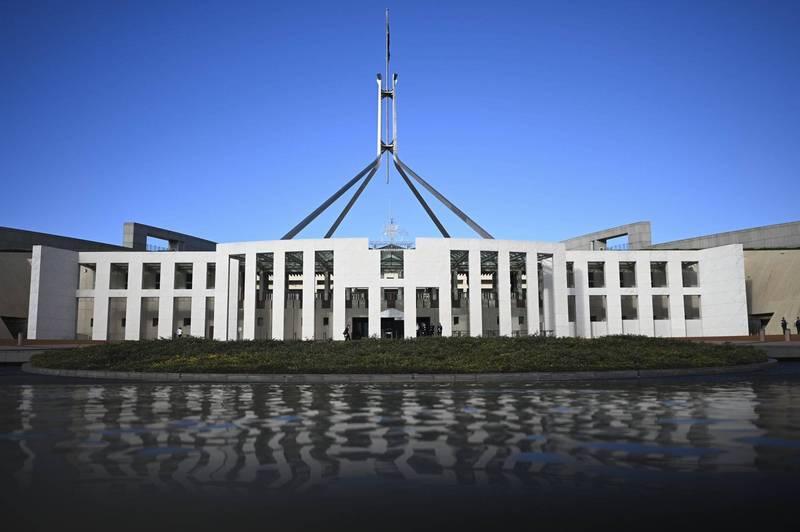 澳洲國會前員工爆料,有助理直接在女議員的桌上和別人打砲,甚至有人在祈禱室啪啪啪。圖為澳洲國會大廈外觀。(歐新社)