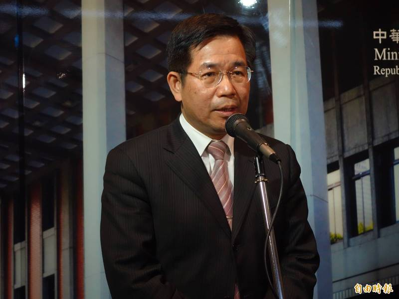 教育部長潘文忠表示,針對2030雙語國家目標,在大專校院方面,預計推動「雙語標竿學院」與「台灣優華語」等計畫,提升大專校院雙語環境,有助境外生學習,也提升國內生英語能力。(記者吳柏軒攝)