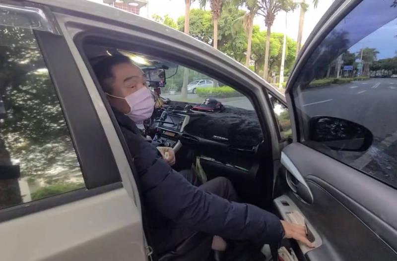 騰龍通運負責人陳聰騰(見圖)以證人身分接受檢方調查,下午5點多與游姓司機一同乘車離開。(記者蔡昀容翻攝)