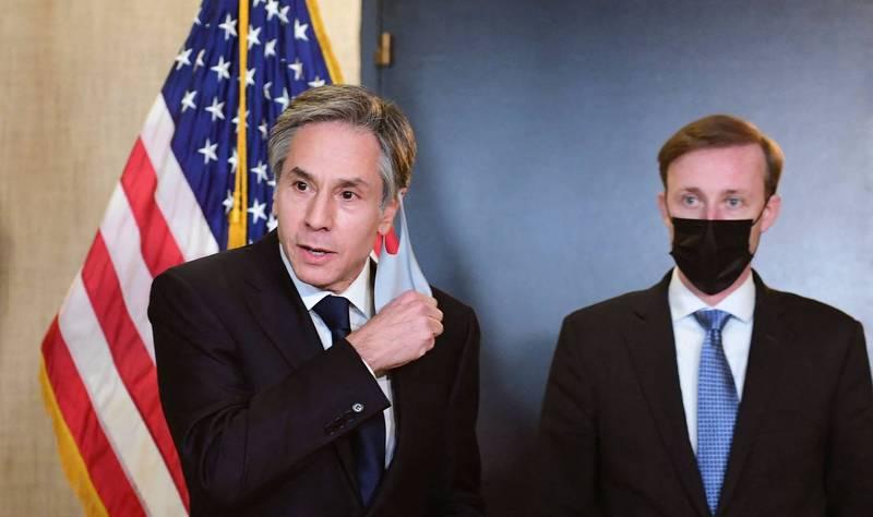 美國國務卿布林肯(左)。(法新社)