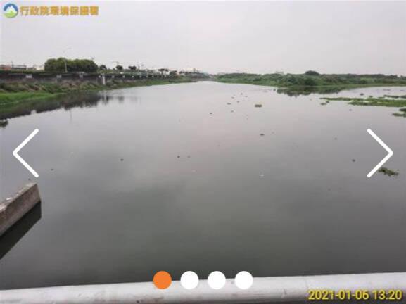 圖為近期東港溪流域監測採樣照片。(取自環保署河川水質監測)