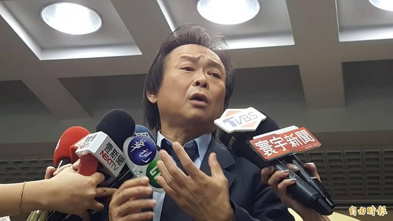 針對邱昱凱當悠遊卡總經理,台北市議員王世堅痛批,柯文哲是瘋了嗎?完全不在意社會觀感,春假過後柯文哲要到議會報告,大家走著瞧!(記者楊心慧攝)