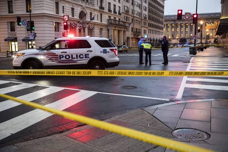 美國華盛頓哥倫比亞特區傳出13歲與14歲男孩持刀劫車並毆打駕駛,目前2名少年都已被逮捕。華府警察示意圖。(歐新社)