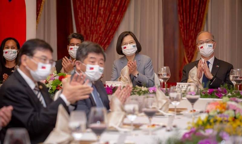 蔡英文總統今晚在台北賓館宴請帛琉總統惠恕仁伉儷。(擷取自蔡英文 Tsai Ing-wen臉書)
