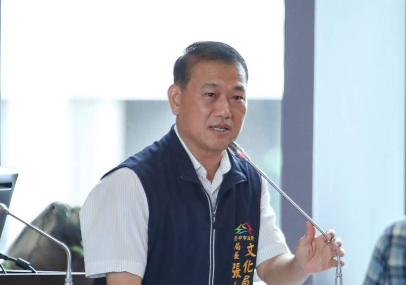 新任勞工局長由原文化局長張大春接任。(記者蔡淑媛翻攝)