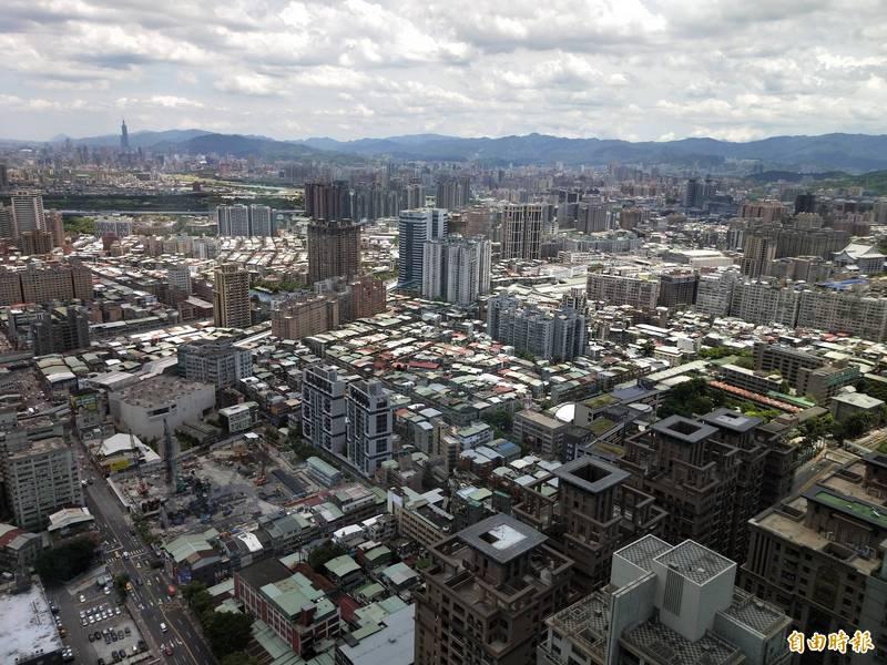 新北市110年度逾期未辦理繼承登記不動產,依公告土地現值計算,總價值高達280億餘元。(記者賴筱桐攝)