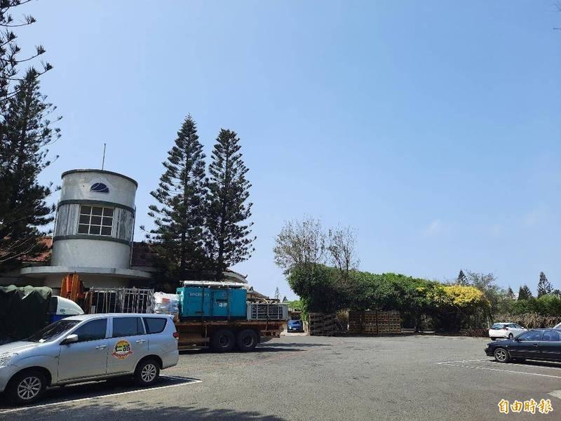 澎湖工策會將花火市集規劃在公賣局前停車場,二個月要七萬元租金。(記者劉禹慶攝)