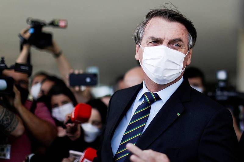 巴西總統波索納洛30日緊急簽署行政命令,投入約新台幣261.7億元資金對抗武漢肺炎疫情,用以支持巴西公衛醫療系統,圖為波索納洛。(路透資料照)