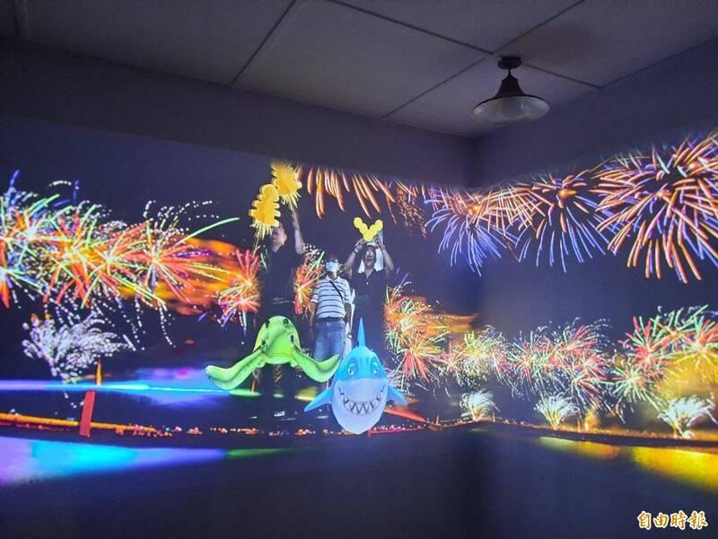 花火體驗館再度創新內容,提供遊客更新穎的內容享受。(記者劉禹慶攝)