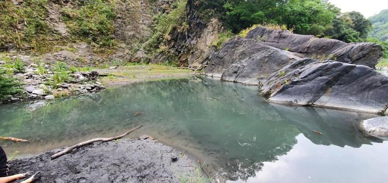 南投仁縣仁愛鄉精英村格拿里溪深潭,昨天下午發生學童溺水意外。(民眾提供)