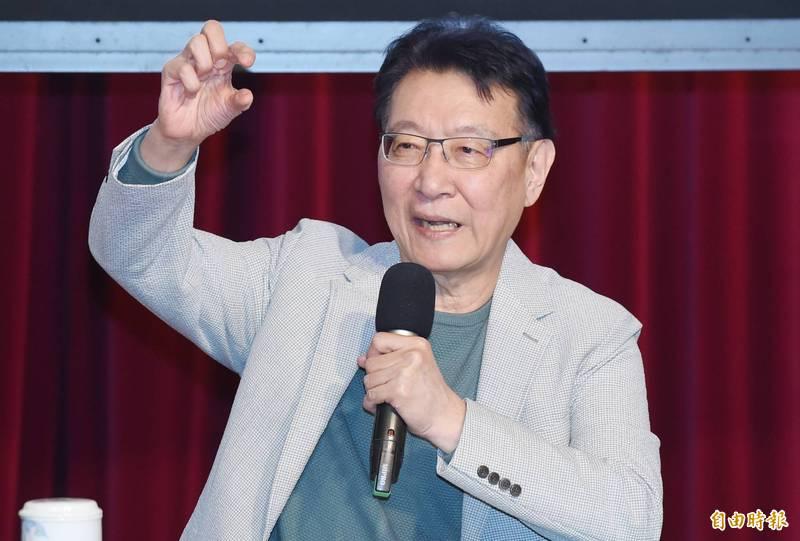 中廣董事長趙少康下午舉行「綠能發電如牛步,以肺換電何時了?」論壇。(記者廖振輝攝)